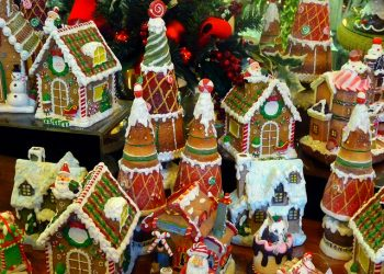 gingerbread houses and ecommerce