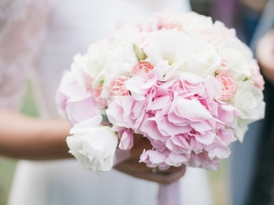 wedding flowers | the bridal bouquet with white and light pink roses with light pink hydrangeas